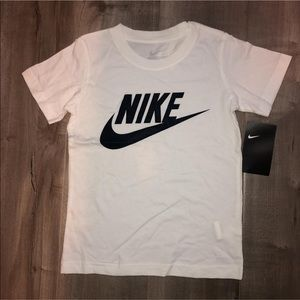 NWT Nike Kids shirt size 6